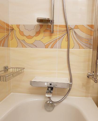 Смеситель-термостат Grohe и полотенцесушитель-лесенка
