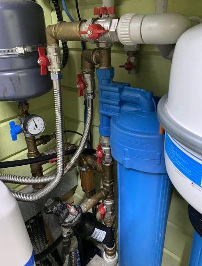 Монтаж систем водоснабжения в частном доме, квартире или даче под ключ. Разводка, замена, ремонт водопровода и канализации. Цены как у всех - качество