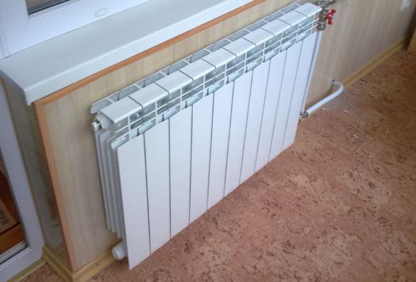 Установка радиаторов отопления в квартире;